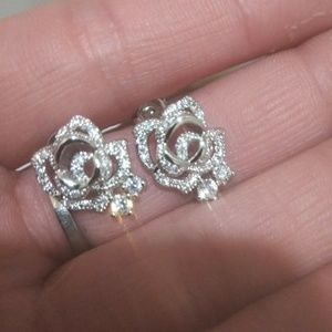 Beautiful Brand New 925 Crystal Studs With Box